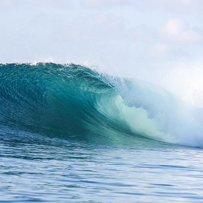waves idonesia sucku mamas surfing nemberala rote island