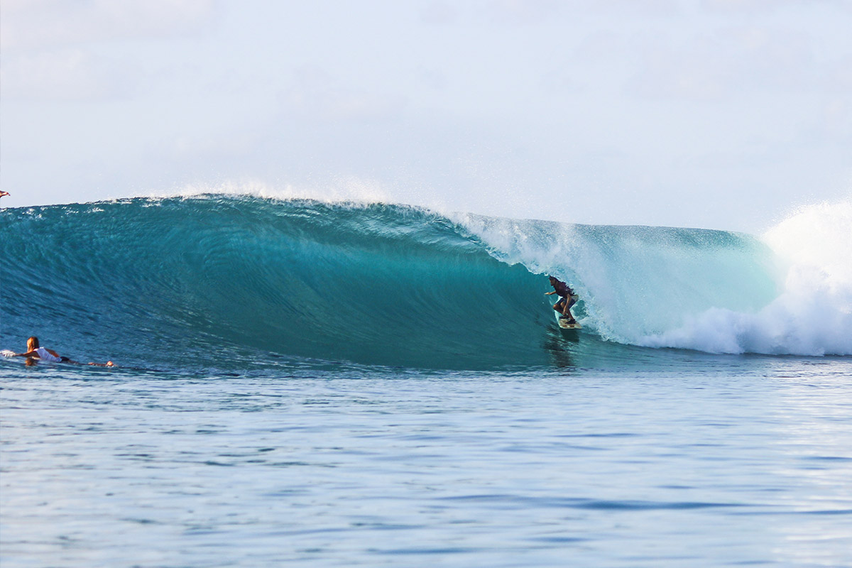 waves surfing beachboy indonesia rote island nemberala besialu anugerah